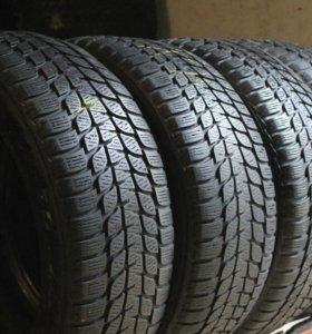 Зимние шины R17 225 65 Bridgestone LM 25 4x4 4шт
