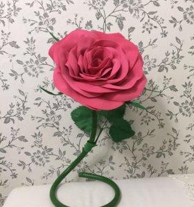 Настольная роза из фоамирана