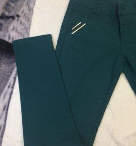 Новые брюки женские S