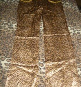Леопардовые брючки.