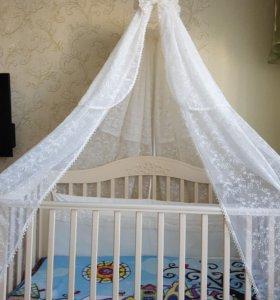 Детская кроватка с бортиками, балдахином, матрацем