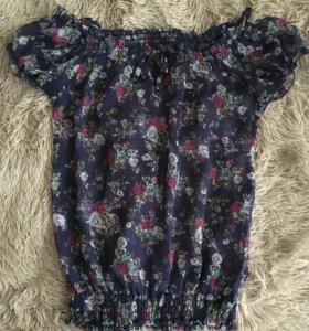 Темно-синяя блуза с цветами