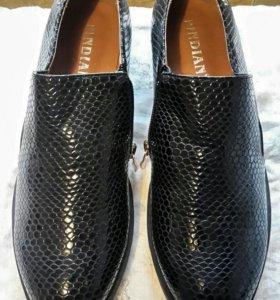 .Новая-Обувь женская р.40