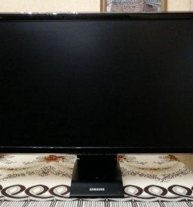 Продаю Монитор Samsung SyncMaster C27A550U