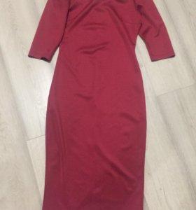 Платье миди красного цвета