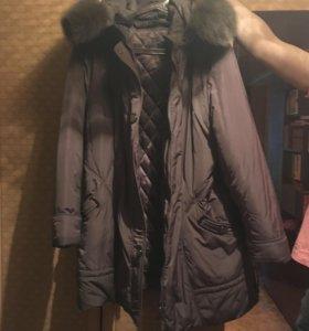 Подам женскую куртку 50разм.