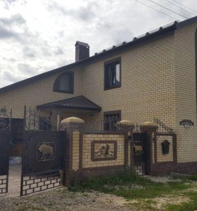Коттедж, 450 м²