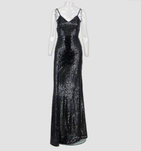 Вечернее платье в пайетках