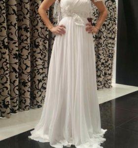 Свадебное платье с полушубком