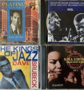Компакт диски(CD) из своей коллекции.
