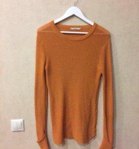 Pull and bear оранжевая кофта