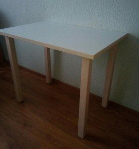 2 кухонных стола