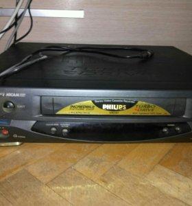 Видеомагнитафон Phillips кассетный
