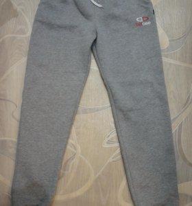 Тёплые спортивные штаны, женские