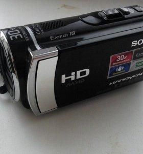 Продам видеокамеру Sony HDR-CX200