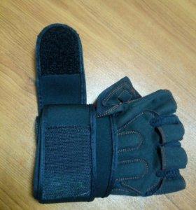Перчатки для жима