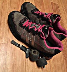 Кроссовки на колёсах (Heelys).