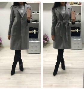 Стильное пальто из драпа