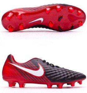 Бутсы Nike.