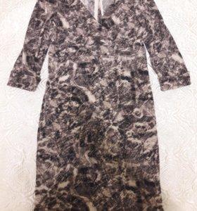 трикотажное, прямое платье, по фигуре
