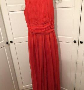 Красное шифоновое платье
