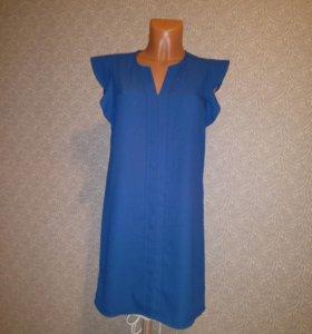 Платье ярко-синего цвета