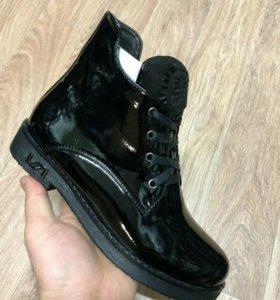 Новые ботинки женские 37/38