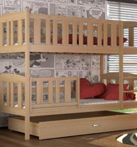 Новая двухъярусная кровать с матрасами