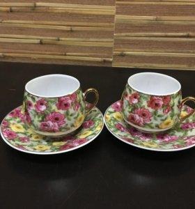 Кофейные чашечки с блюдцами