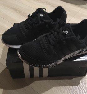 Кроссовки adidas ( оригинал )