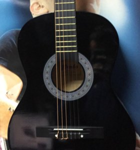 Гитара новая чёрная c чехлом