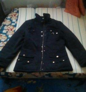 Продаю джинсовую куртку зимнию