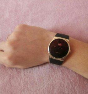 Часы (MICHAEL KORS)