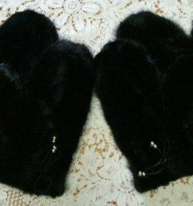 Варежки из норки,черные,новые.