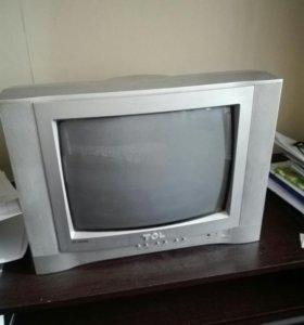 Телевизор в очень хорошем состоянии, с пультом