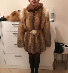 Шуба новая из канадской лисы и шапка из рыжей лисы