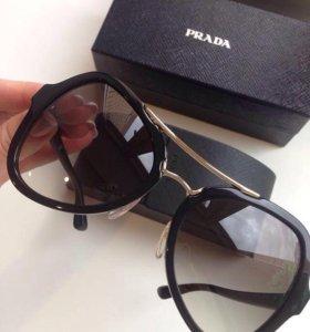 """Солнцезащитные очки """"Prada"""""""