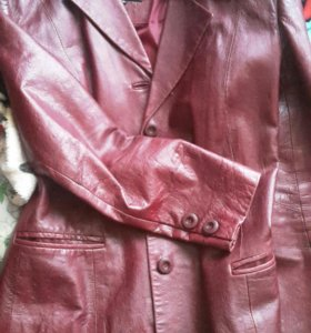 пиджак из натуральной кожи!!из Италии!!