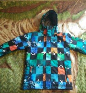 Спортивная куртка(сноубордная)