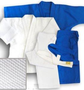 Белое кимоно для дзюдо