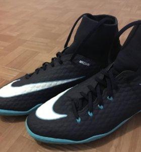 Футзалки. Nike hypervenom X phelon 3