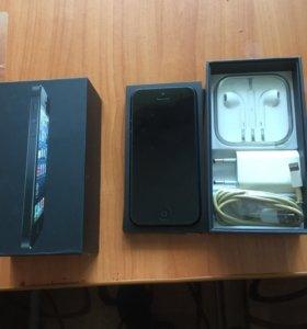 Продам айфон 5 на 16 гигов торг уместен