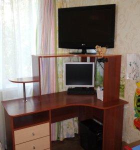Компьютерный стол, тумба, шкаф
