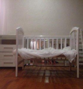 Кроватка детская(белая)