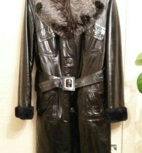 Кожанное пальто зимнее 48-50.Новое.