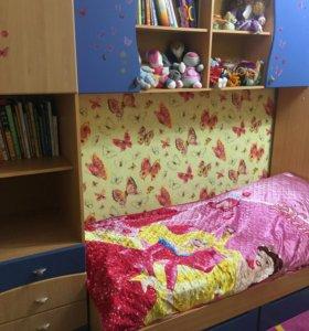 Срочно!!детская кровать(спальня )