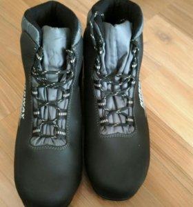 Лыжные ботинки размер 42