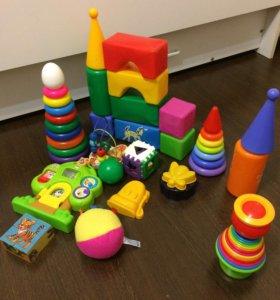 Развивающие игрушки пакетом.