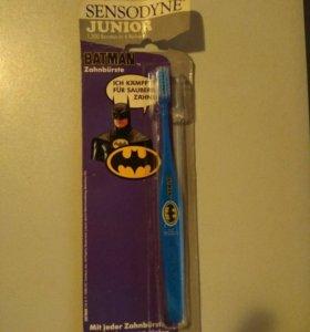 Зубная щетка Sensodyne Junior Batman из 90х