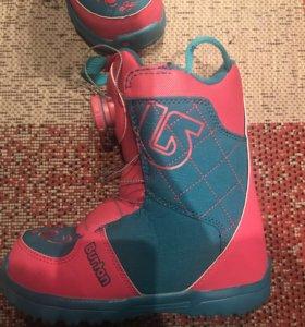 Детские сноубордичечкие ботинки Burton